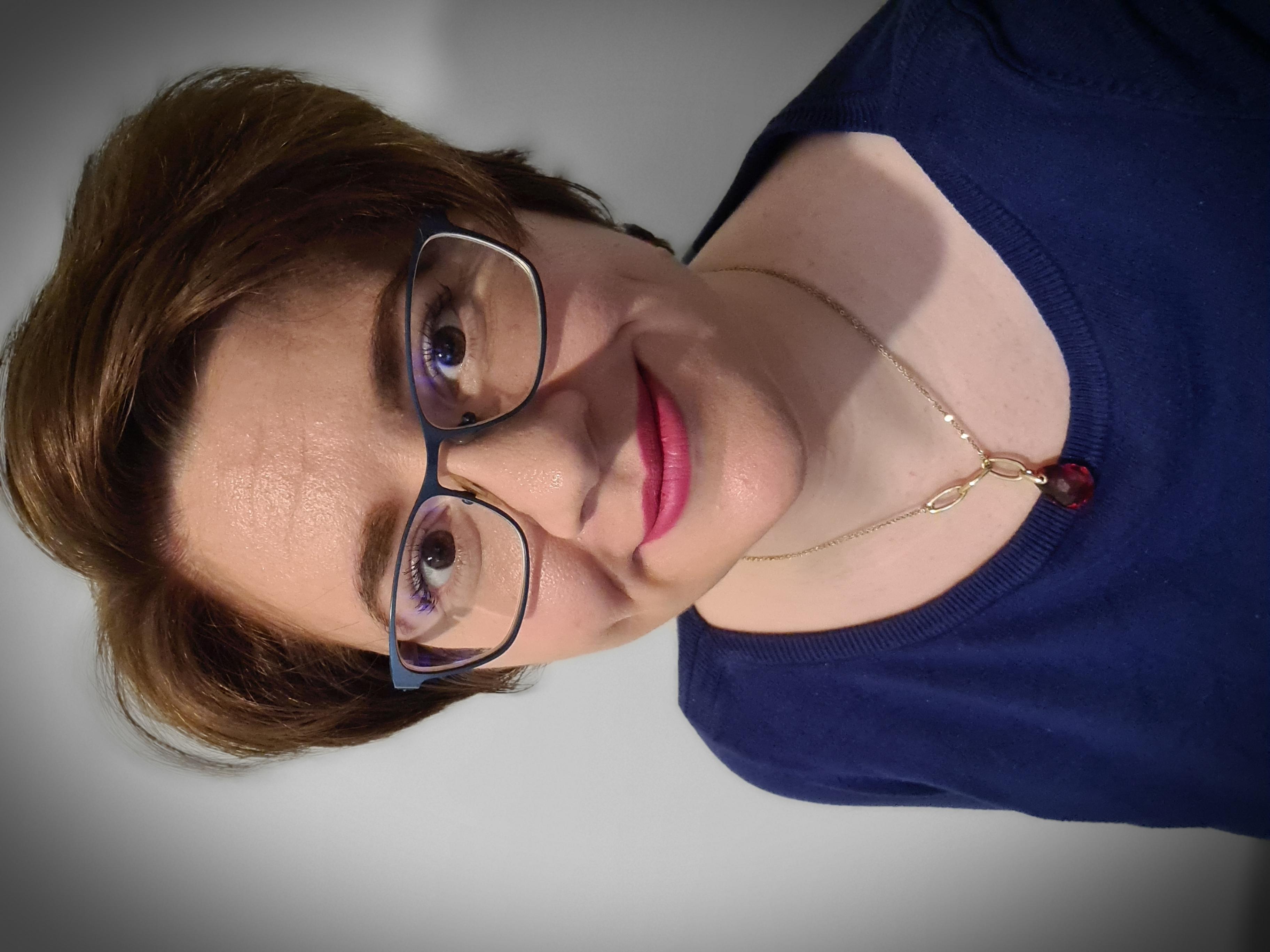 Dr. Anca Mazare