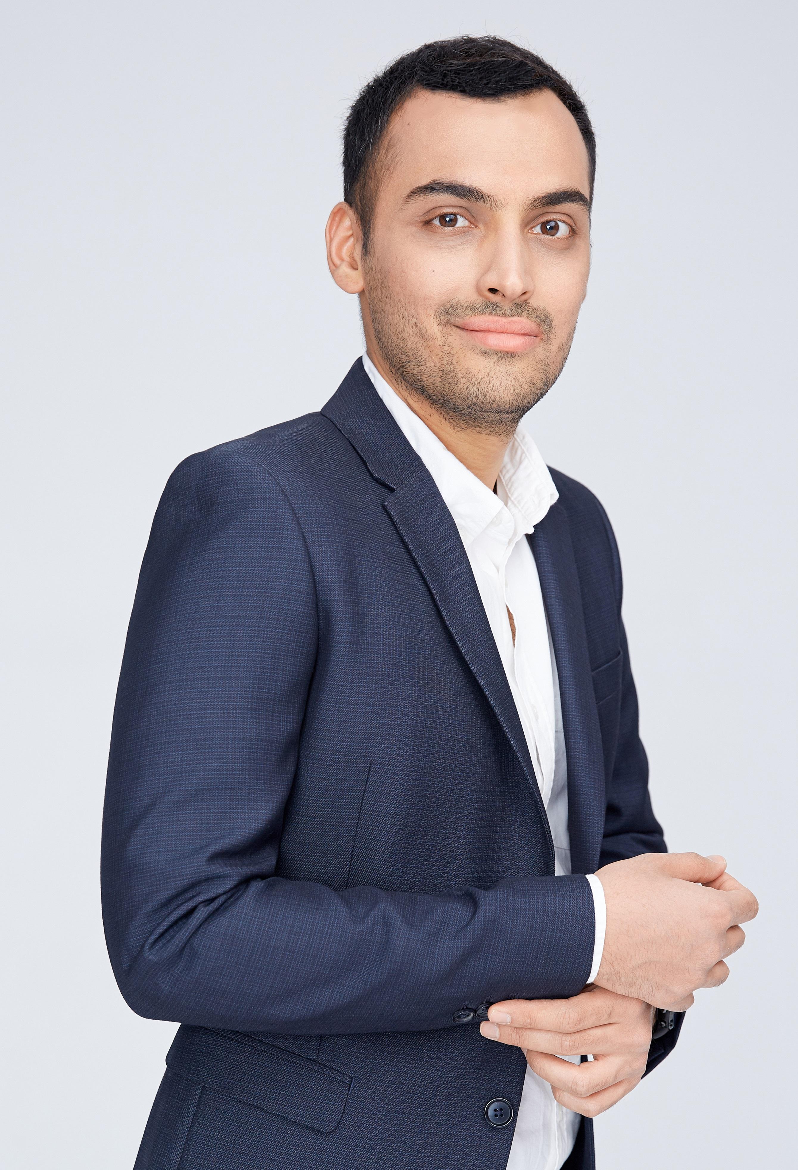 Dr. Keyvan Hosseini