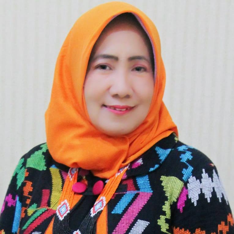 Prof. Tri Retnaningsih Soeprobowati